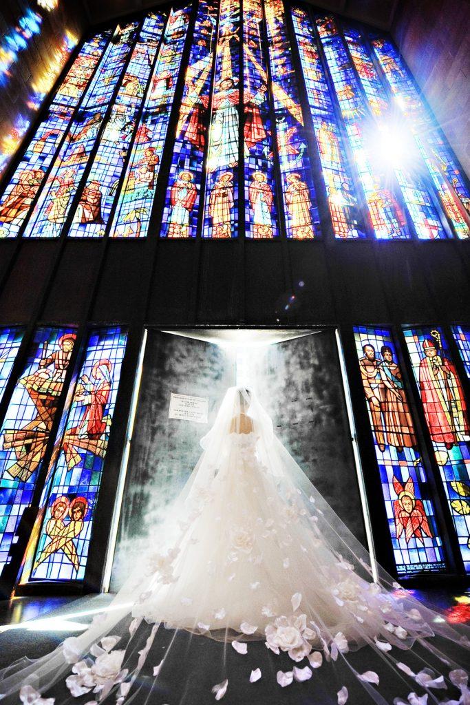 ハワイウェディング フォトツアー 教会ステンドグラス Photo by Goerge (AFLOAT Hawaii)