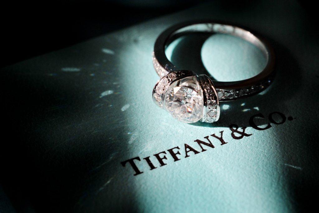 エンゲージリング TIFFANY&Co. Photo by Goerge (AFLOAT Hawaii)