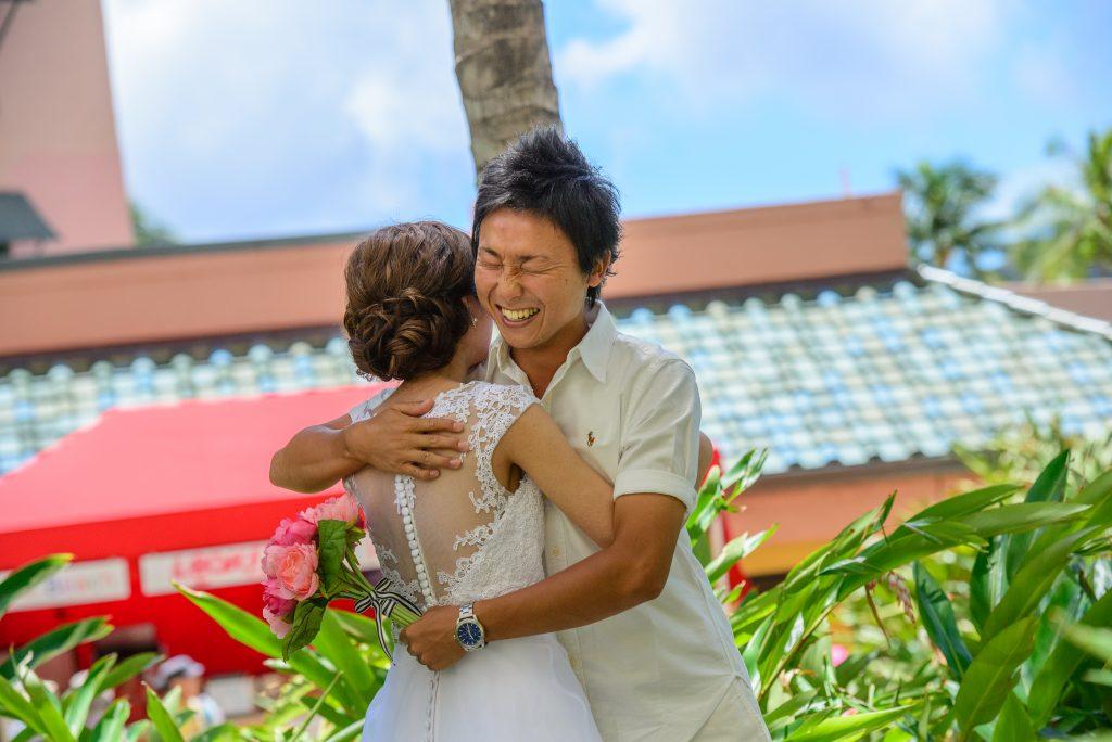 ウェディングフォト ファーストミートPhoto by MARU (AFLOAT Hawaii)