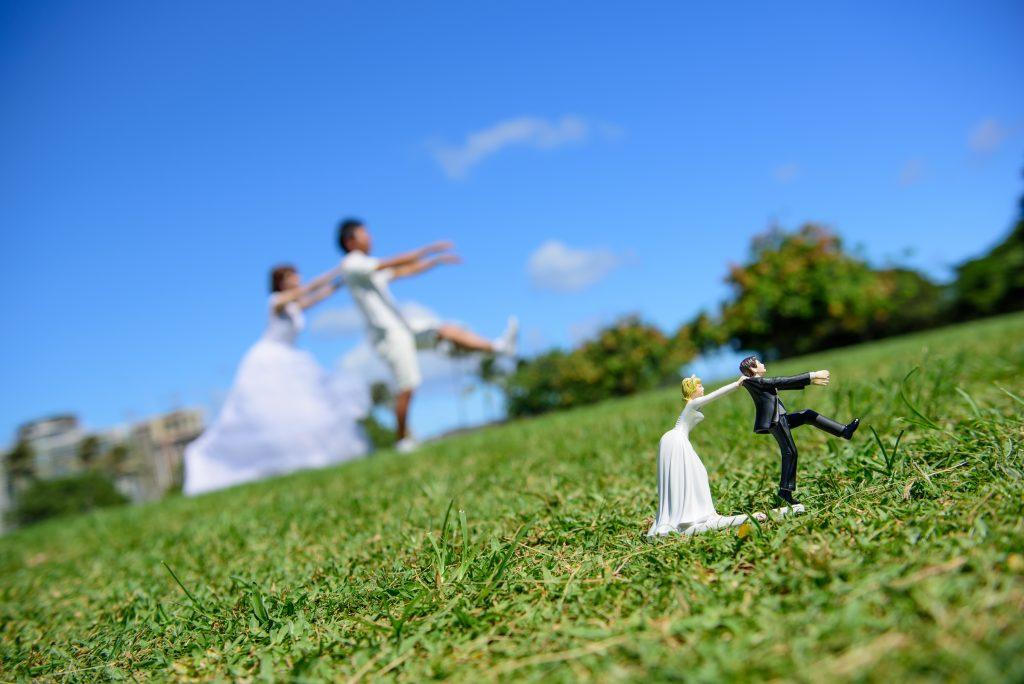 ウェディングフォト 小物とポーズ Photo by MARU (AFLOAT Hawaii)