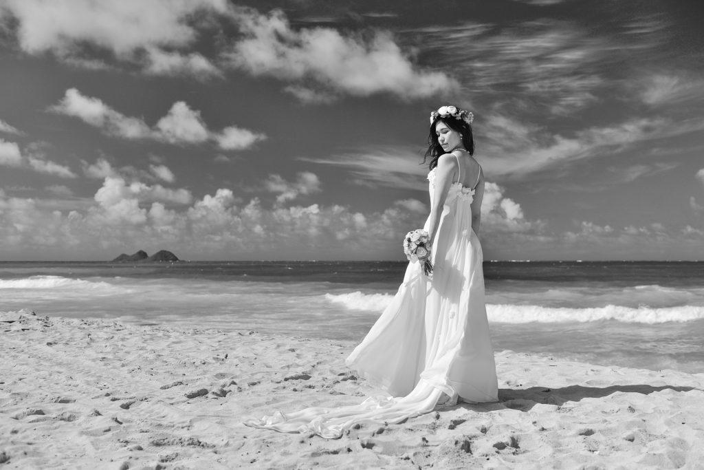 ハワイフォトツアー 空と海とウェディングドレス Photo by MARU (AFLOAT Hawaii)