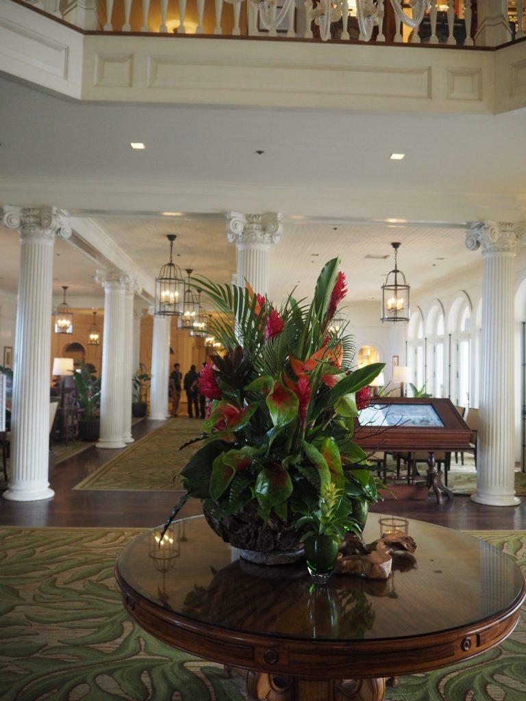 モアナサーフライダーホテル ロビー