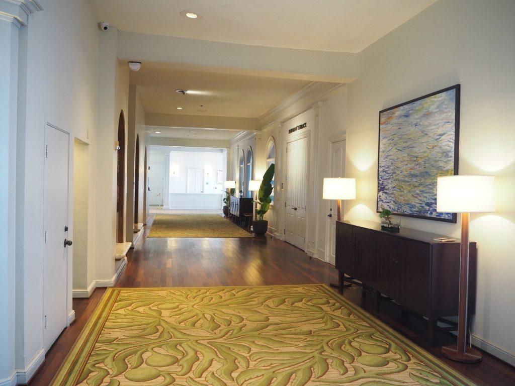 モアナサーフライダーホテル 絨毯