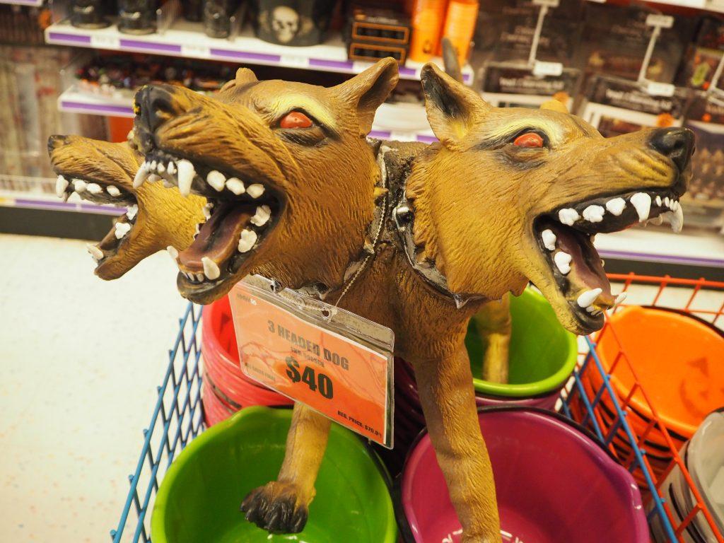 3つ頭の犬オブジェ パーティーシティ ハロウィン
