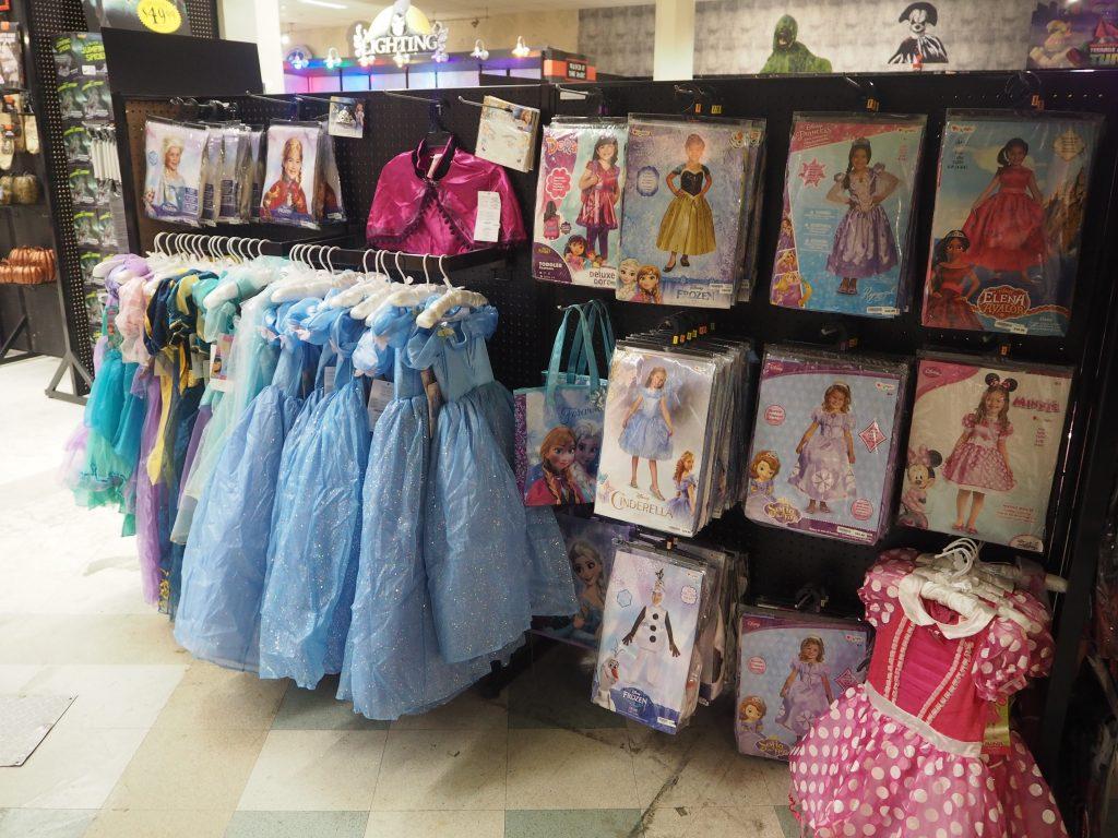 ハワイ アラモアナショッピングセンター プリンセス系ドレス