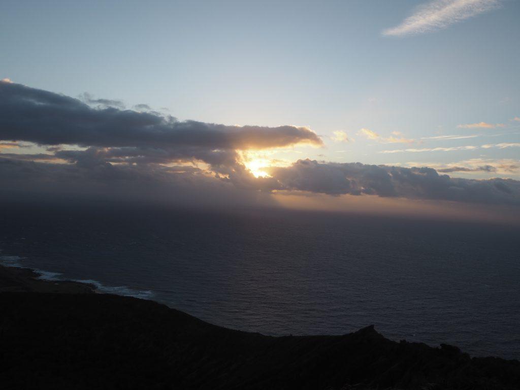 ハワイ 日の出 絶景