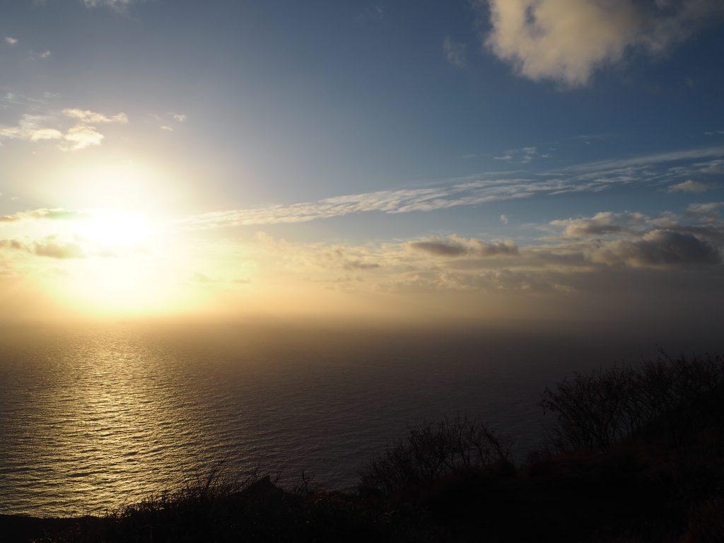 ハワイ ビーチ サンライズ