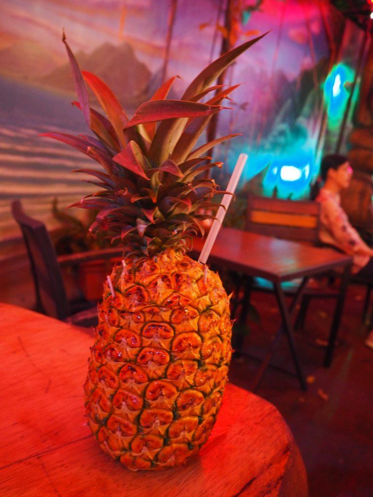 パイナップル カクテル 丸ごと ハワイ