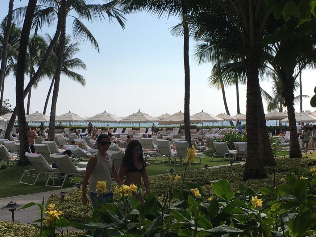 ハワイ ハレクラニ プライベートビーチ