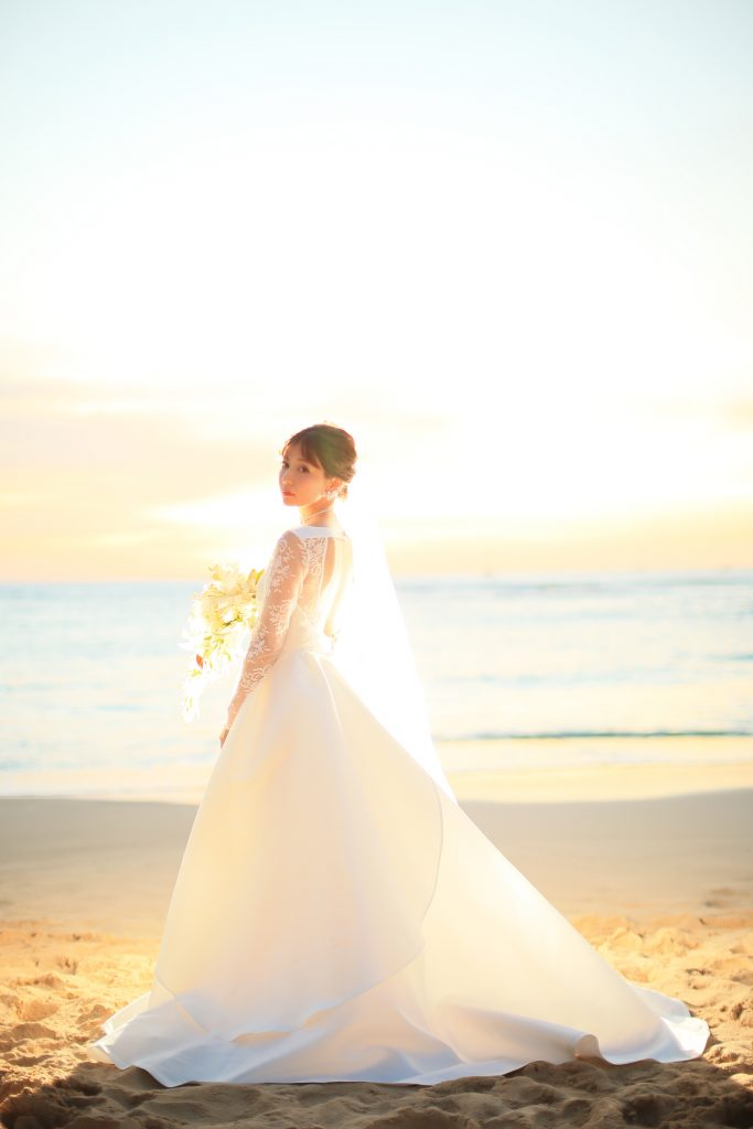 ハワイ ウェディングドレス レンタル 可愛い