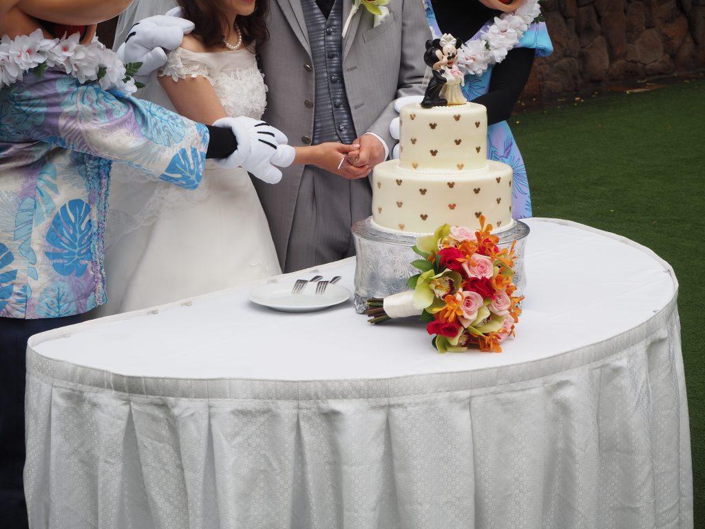 ハワイ ケーキカット ウェディング アウラニディズニーリゾート