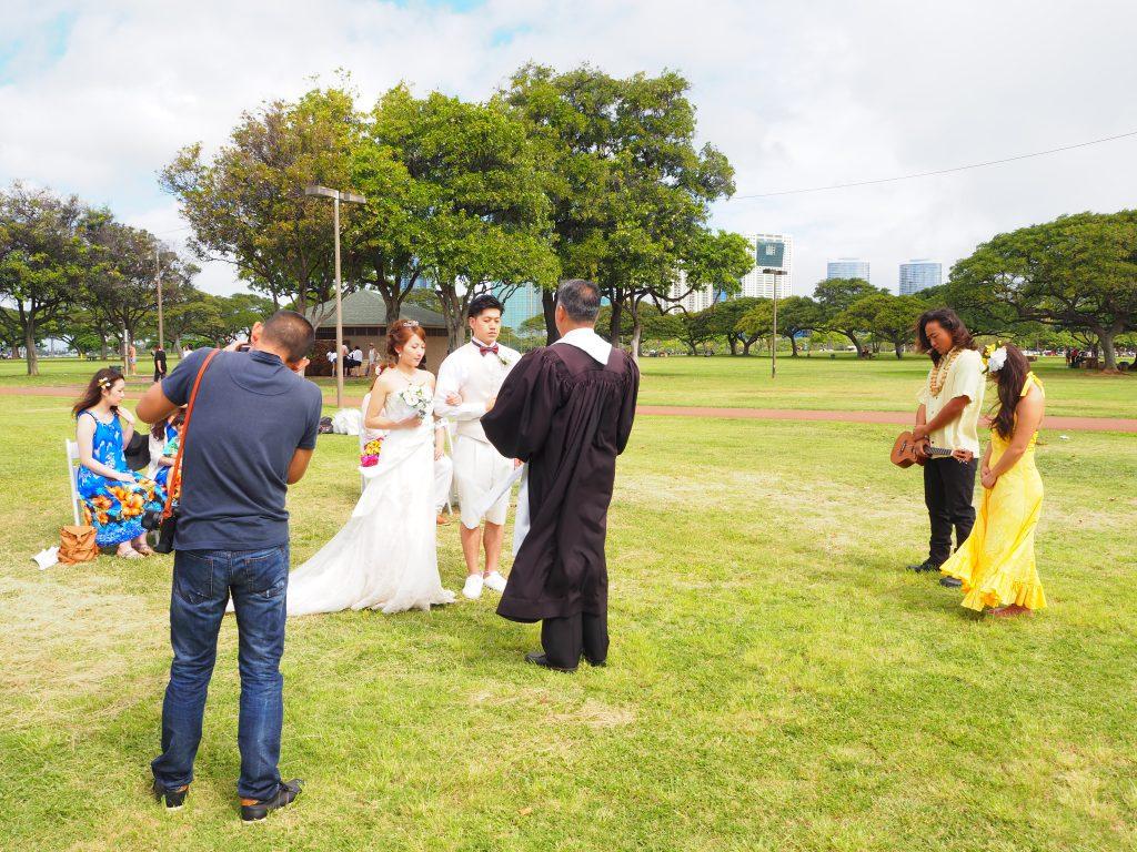 ハワイ ビーチ婚 アラモアナビーチパーク