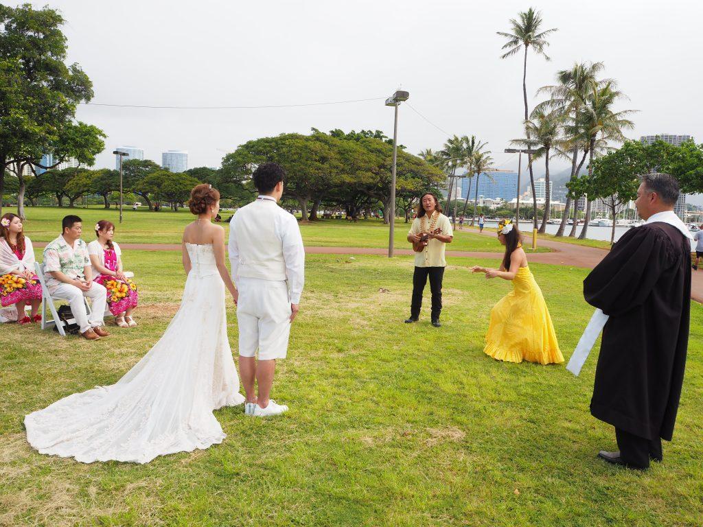ハワイ ウクレレ フラダンサー 素敵