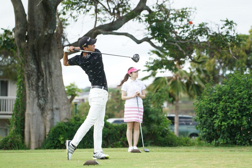 ハワイ ゴルフ カップル