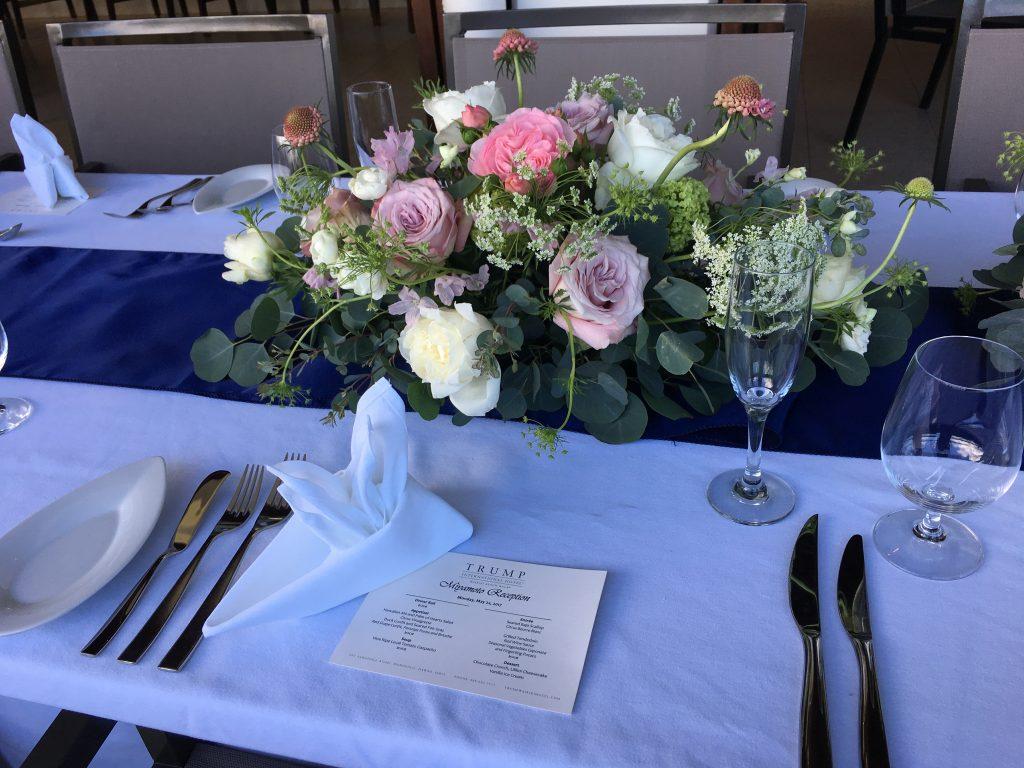 ハワイ テーブル装花 コーディネイト