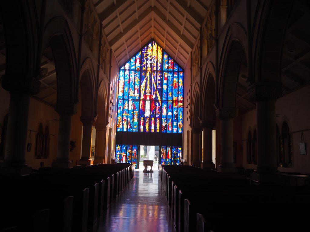 ハワイ ステンドグラス おすすめ 教会
