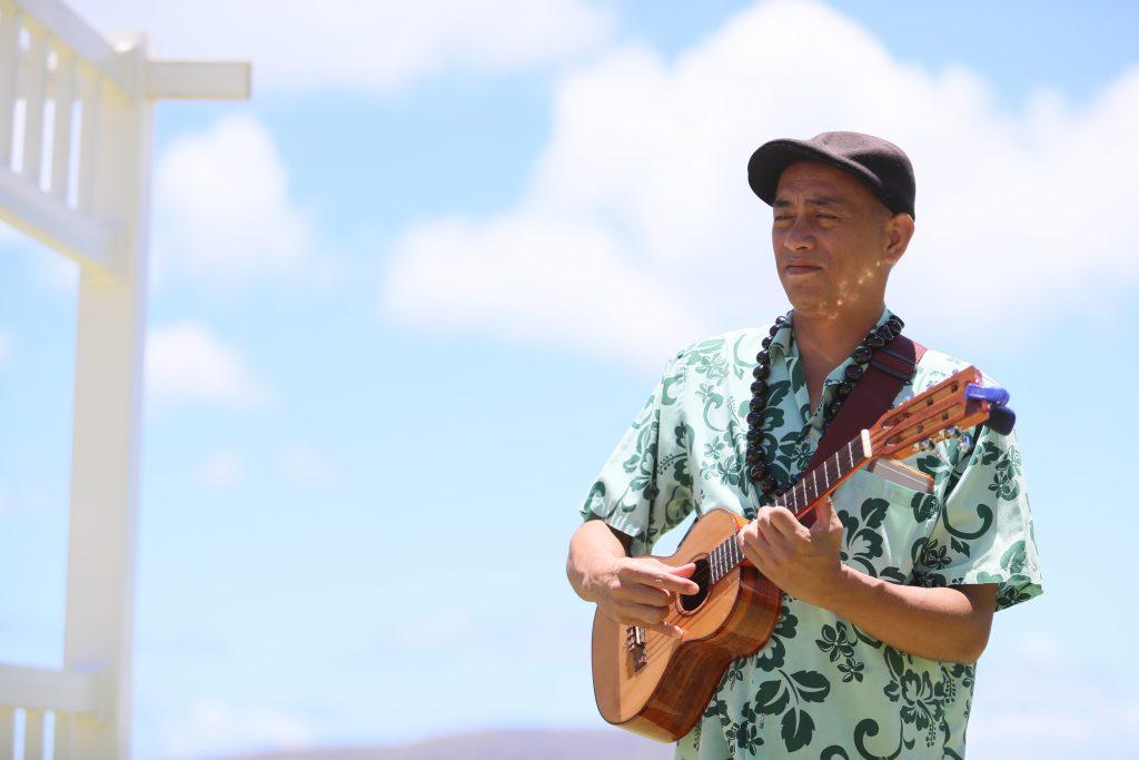 ハワイ 生演奏 挙式 ウクレレ