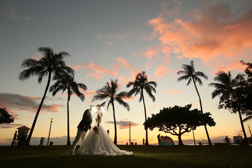 ハワイ ヤシの木 フォトウェディング フォトジェニック