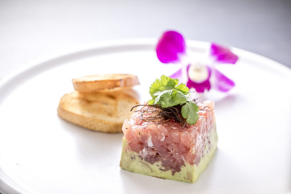 ハワイ アヒ 美味しい レストラン