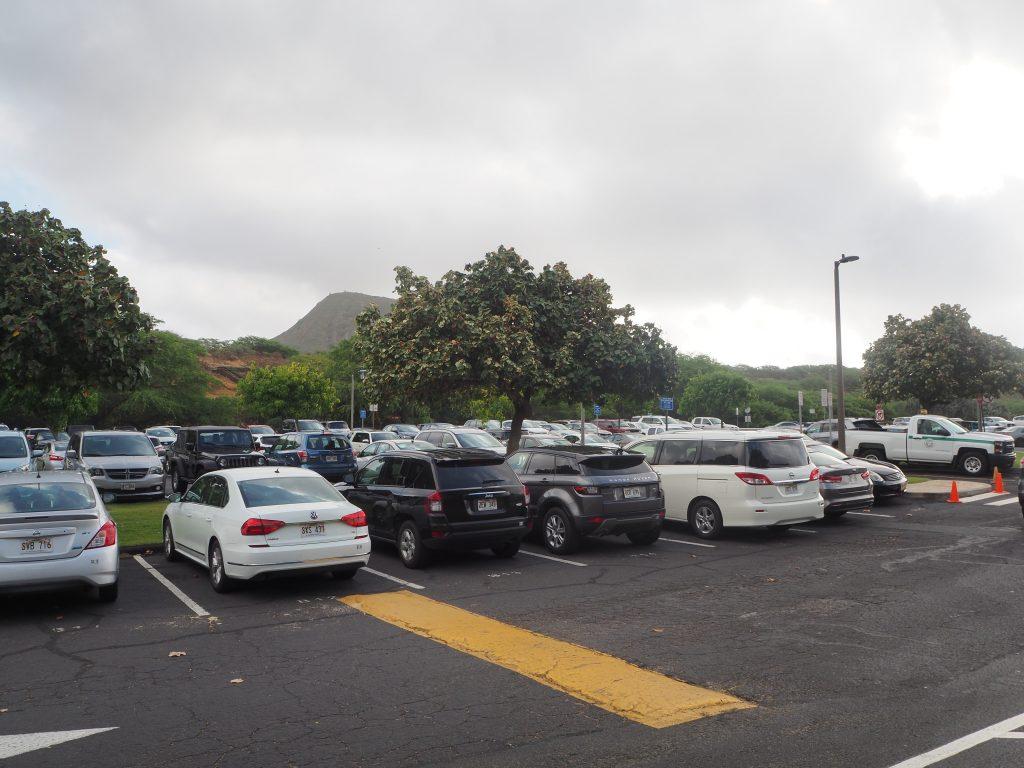 ハワイ ハナウマ湾 駐車場