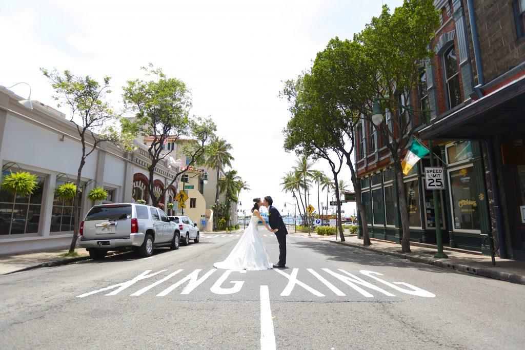 ハワイ ダウンタウン 横断歩道 撮影