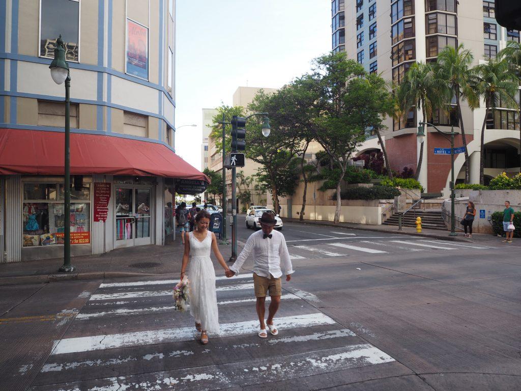 ハワイ 横断歩道 フォトウェディング