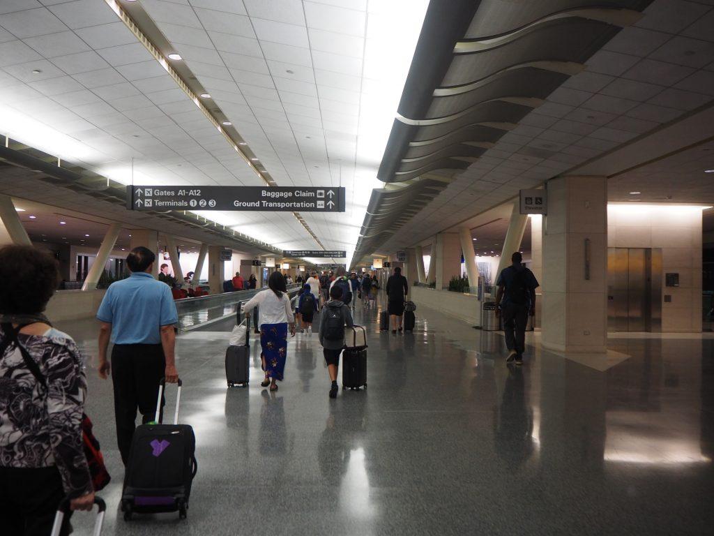 サンフランシスコ 空港 広い