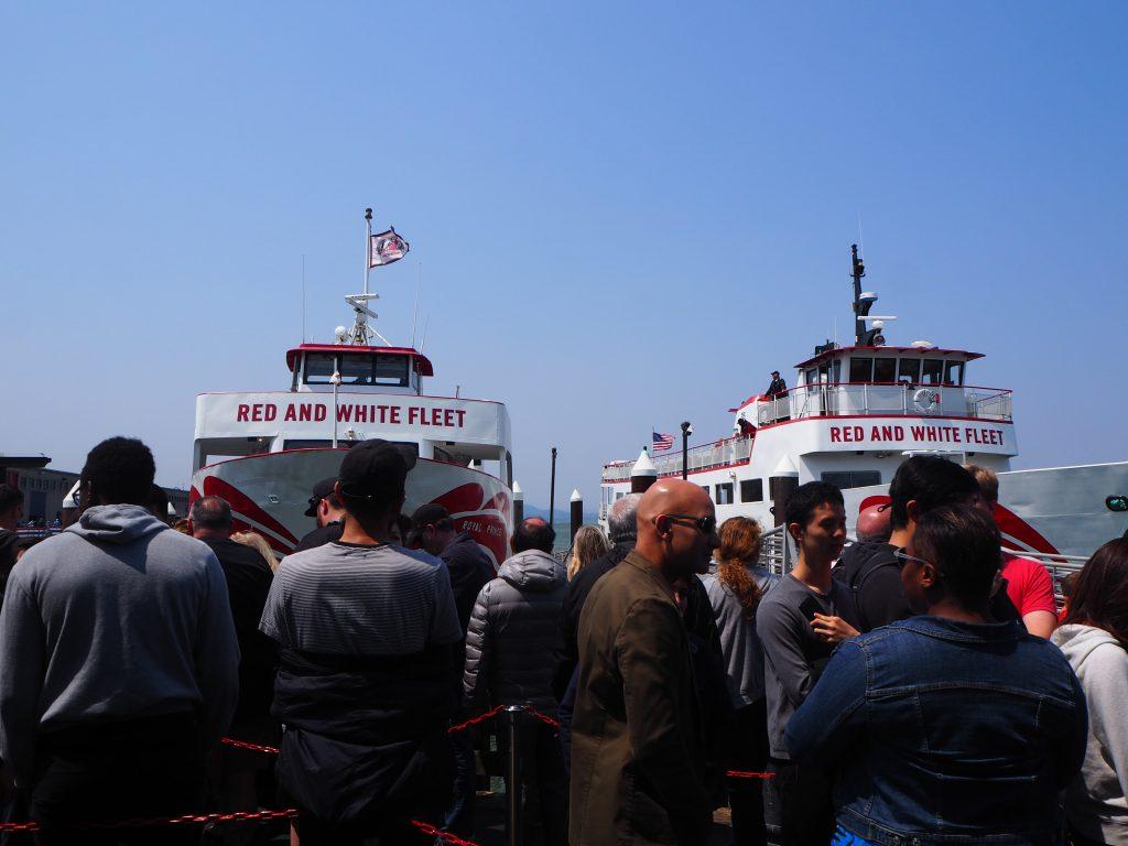 船 アルカトラズ島 ゴールデンゲートブリッジ