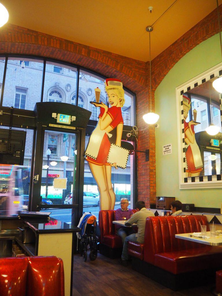 アメリカンダイナー Lori's Diner