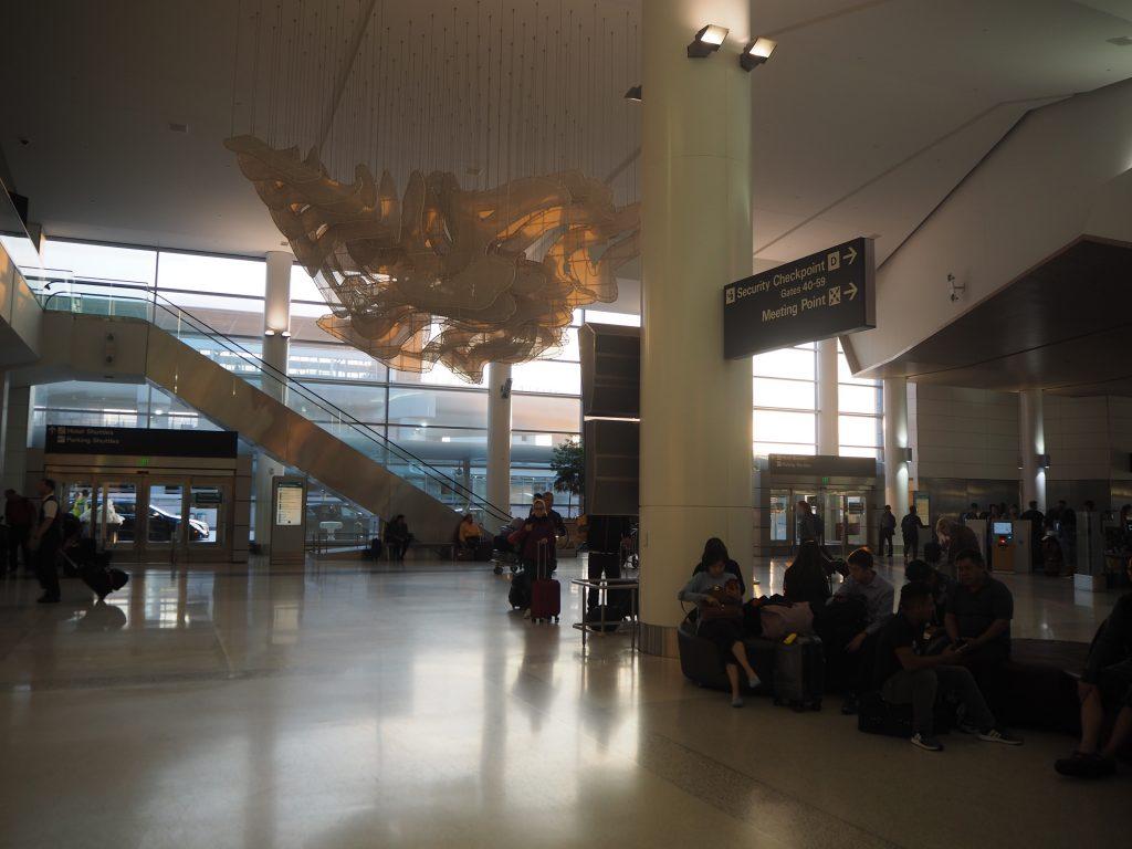 LA サンフランシスコ 空港