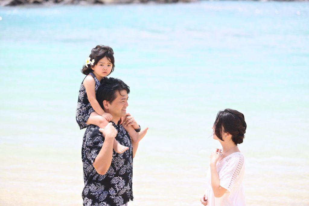 ハワイ 家族 記念写真