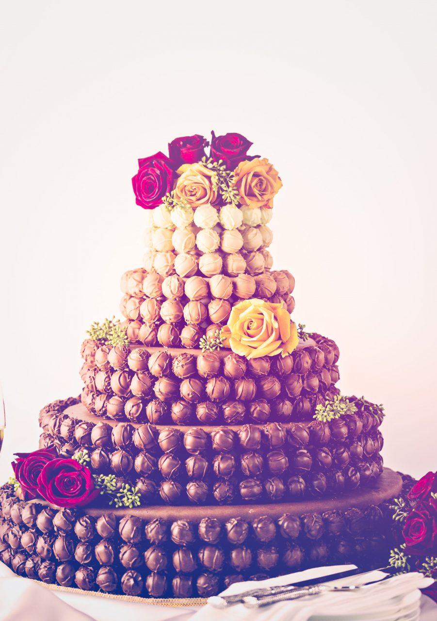 ウェディングケーキ トリュフデザイン