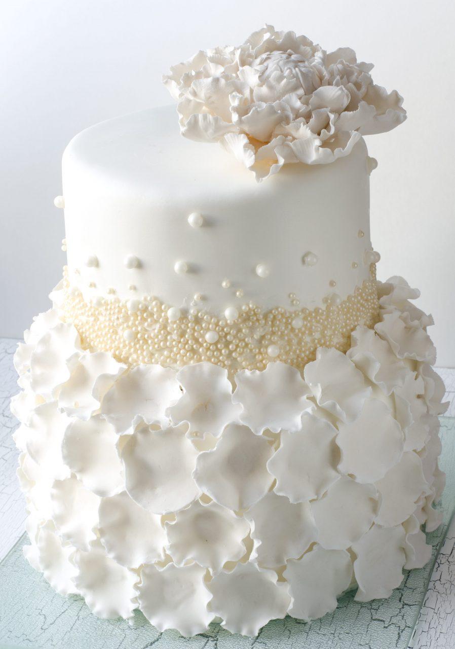 ハワイウェディングケーキ 繊細パール系